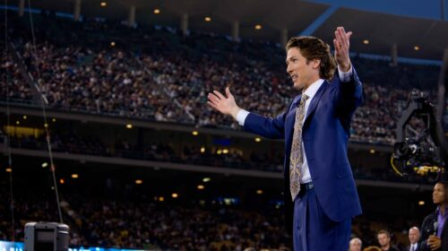 Joel_Osteen_at_Dodger_Stadium